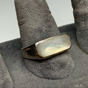 Sterling silver & mother of pearl signet ring 8.5